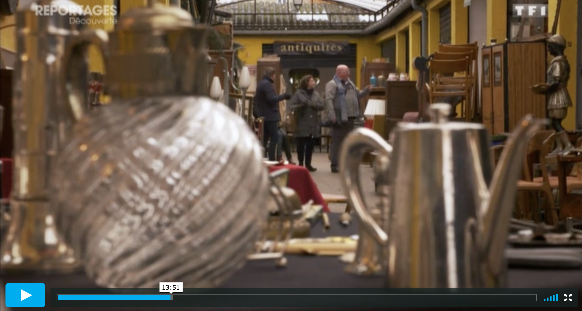 The Antiques Diva & Co filming our TF1 Documentary that depicts the process of how we work as Paris Flea Market Guide
