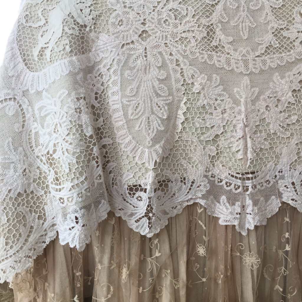 Investing in Antique Linens - Pandora de Balthazar Lace