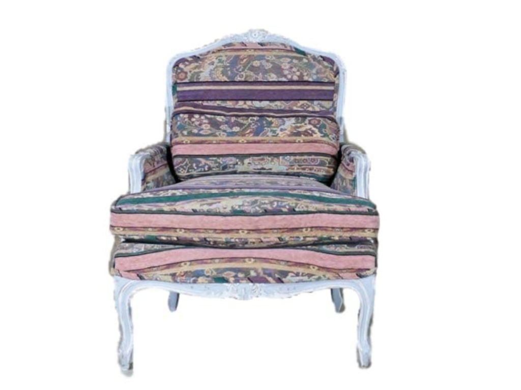 French chairs at Lolo French Antiques Louis XV style painted Bèrgere