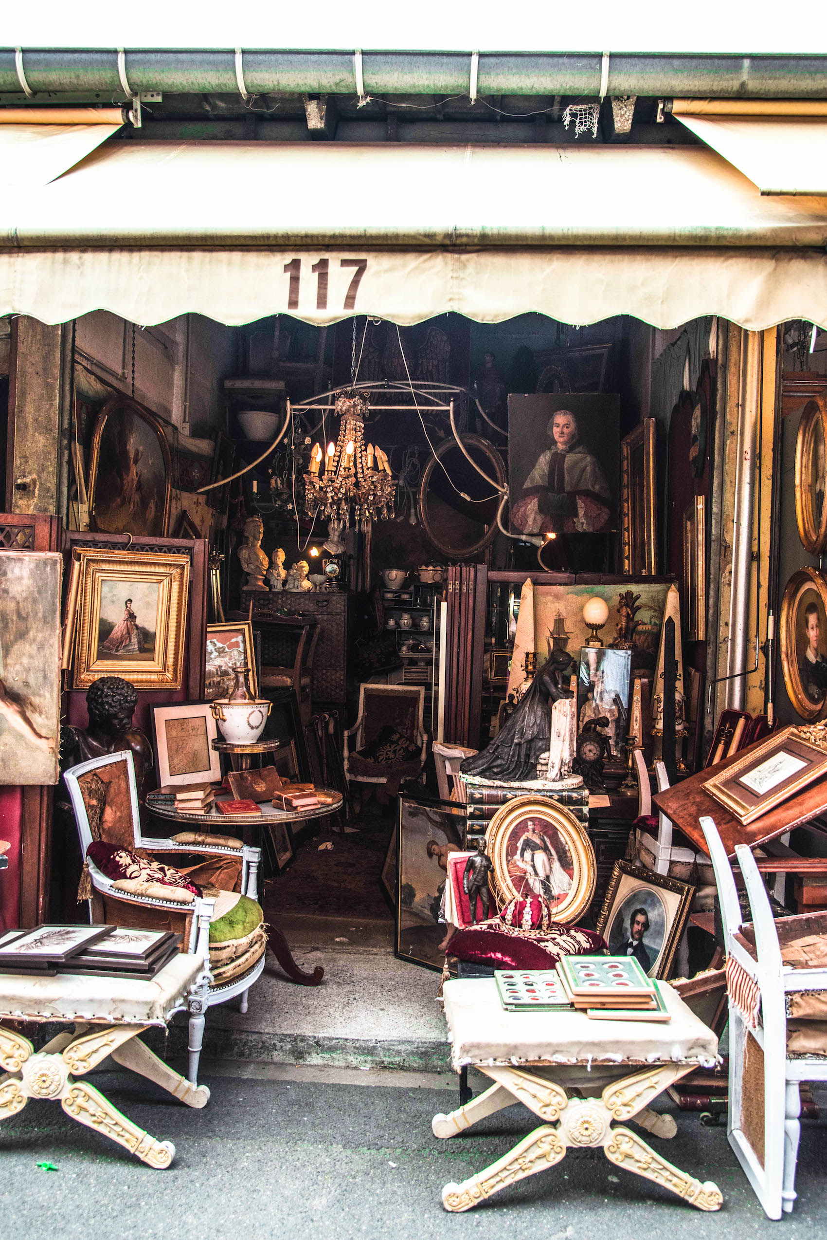 the antiques diva tour guide